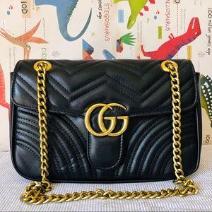Gucci 11 x 7 x 4 Black